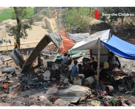 FIRE BLAZES THROUGH ROHINGYA CAMP PUTTING LIVES OF THOUSANDS OF REFUGEES AT RISK